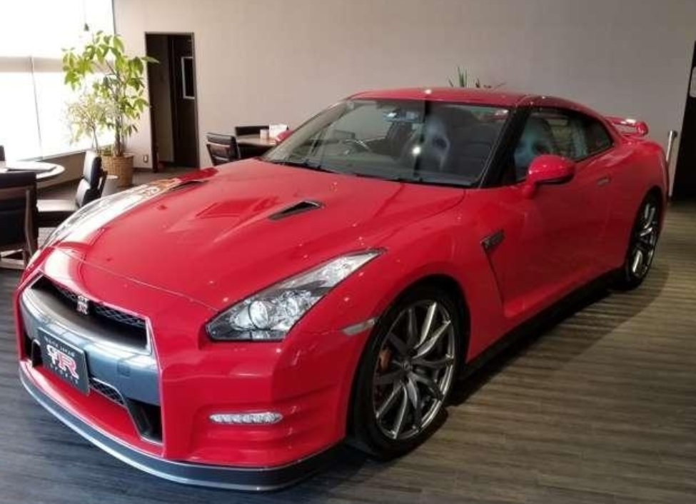 2011 Nissan GT-R Pure Edition