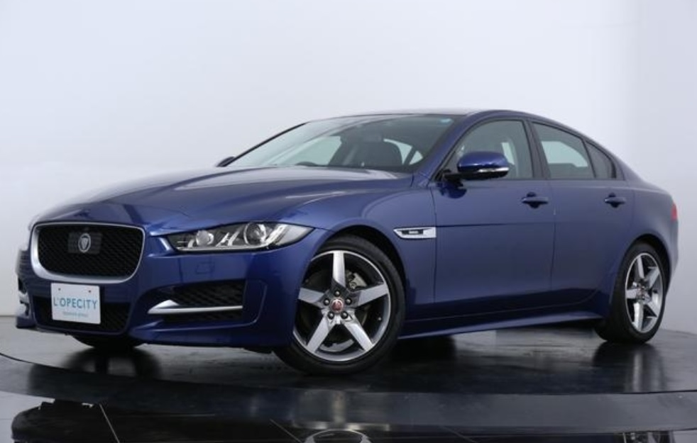 2016 Jaguar XE-R Sports